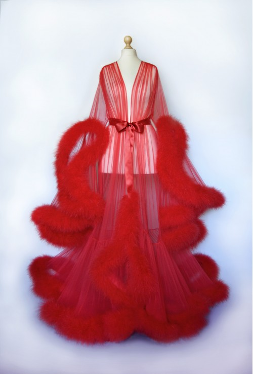 LUXURIOUS BEAUTIFUL RED FEATHER BOUDOIR BURLESQUE FEATHER ROBE FOR WOMEN. The best Valentine's Day Gift idea for women.